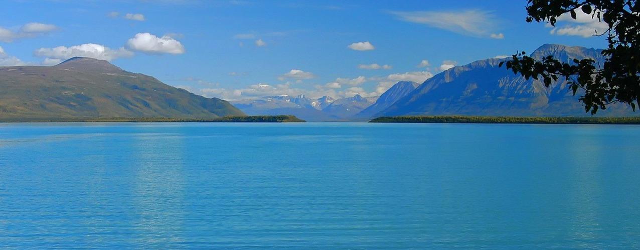 Clean Alasakan lake